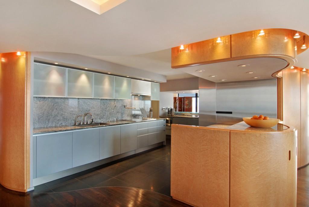 2500_N_Lakeview_Unit_1905_Kitchen