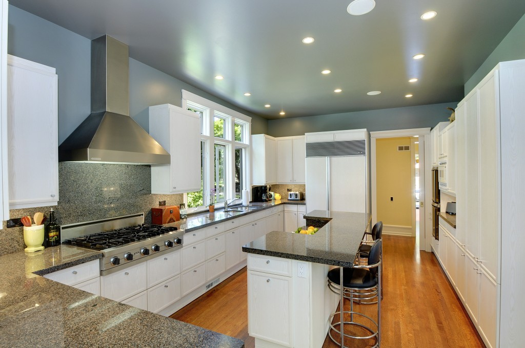 611_Forest_Ave_Kitchen