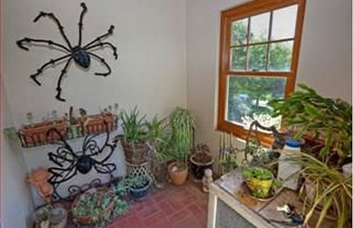31 Days of Scary Listing Photos: Photo 22