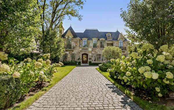 Stunning Spaces: Parisian Masterpiece in Hinsdale