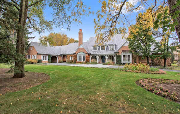 Luxury Listing of the Week: Poised English Manor in Lake Forest