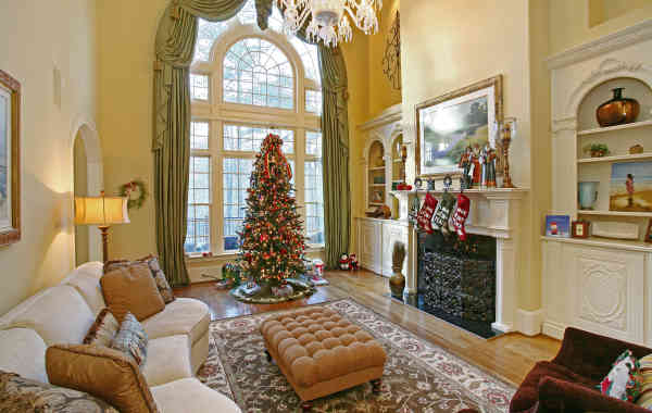 Picture This: Sell Your Home During the Holidays