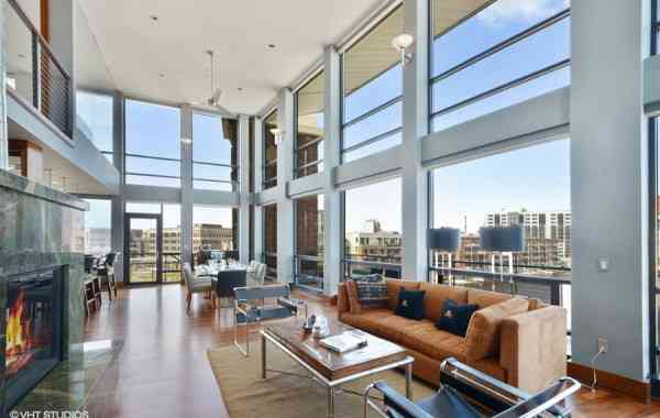 A Modern Glass Condo in Milwaukee
