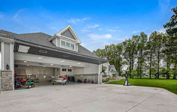This Midwest Luxury Estate Has Its Own Airplane Hangar