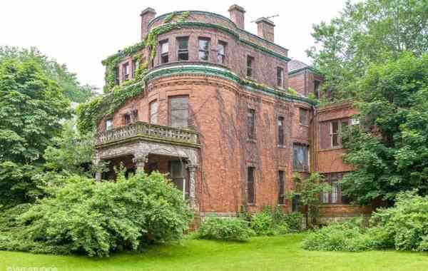 Abandoned Oscar Mayer Mansion is Restored